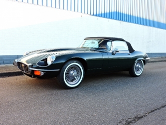 Jaguar E type roadster V12